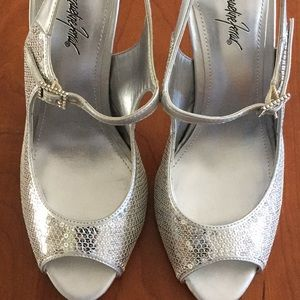 ⭐️ 3 For $10  Silver Sequined High Heels